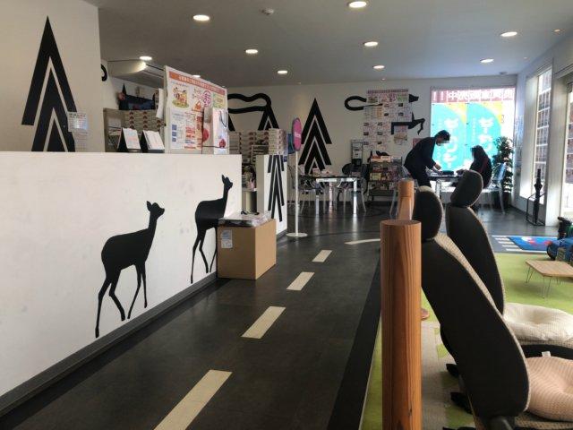 カーチス浜松店の店内はきれいで広い